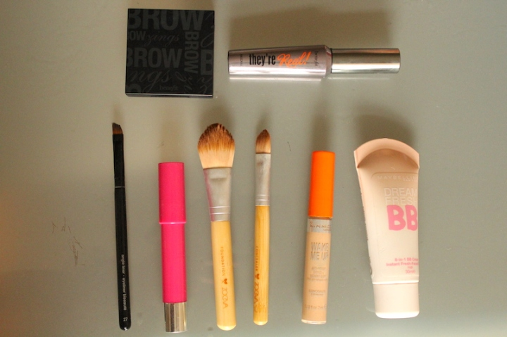five-minute-makeup-tools